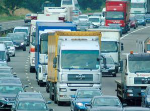 M4 collision causing major delays between Maidenhead and Reading