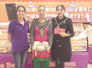 Mayoral visit celebrates Slough cake shop's five-star hygiene rating