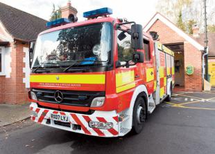 Fire services assist lorry trapped on Bisham Roundabout
