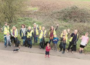 Volunteers clean up Kiln Green