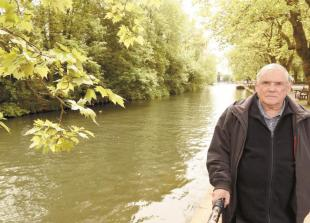 Call for action over overhanging trees on River Thames