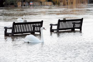 Flooding 'possible' on River Thames from Hurley to Cookham