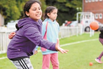 Louis Baylis Trust grant helps set up free girls' cricket taster sessions