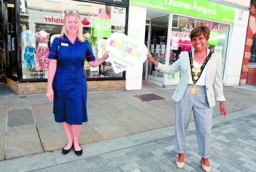 Mayor attends reopening of Thames Hospice shops